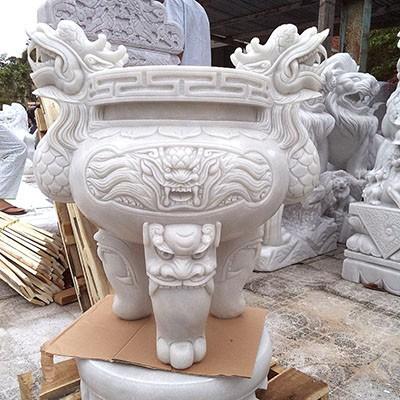 Lư hương được làm từ đá granite trắng