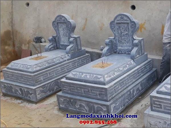 Lăng mộ đá xanh khối với những đường nét chế tác sắc sảo
