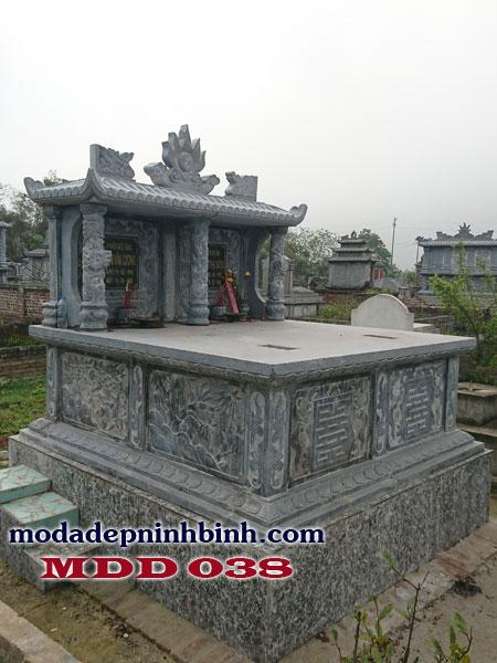 Lăng mộ đá đôi với chi tiết chạm khắc cầu kỳ
